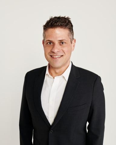 全球资讯_tommy hilfiger全球首席营销官michael scheiner(照片:美国商业资讯)