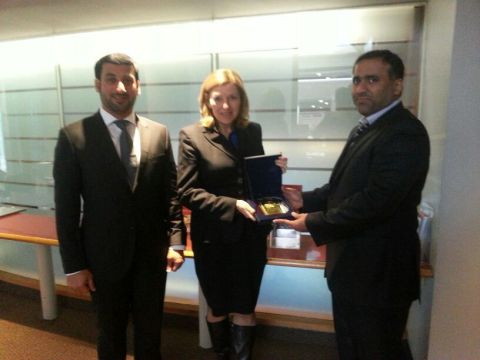 Colonel Mohammed Hamid bin Dalmouj Al Dhaheri, Ms. Anne-Mary Slaughter and Major Ali Abdullah Bin Daen Al Ghafli during the MoU signature between ADP and Harvard University. (Photo: Business Wire)